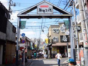 「谷中銀座」は下町レトロを感じられる、食べ歩きにおすすめ!